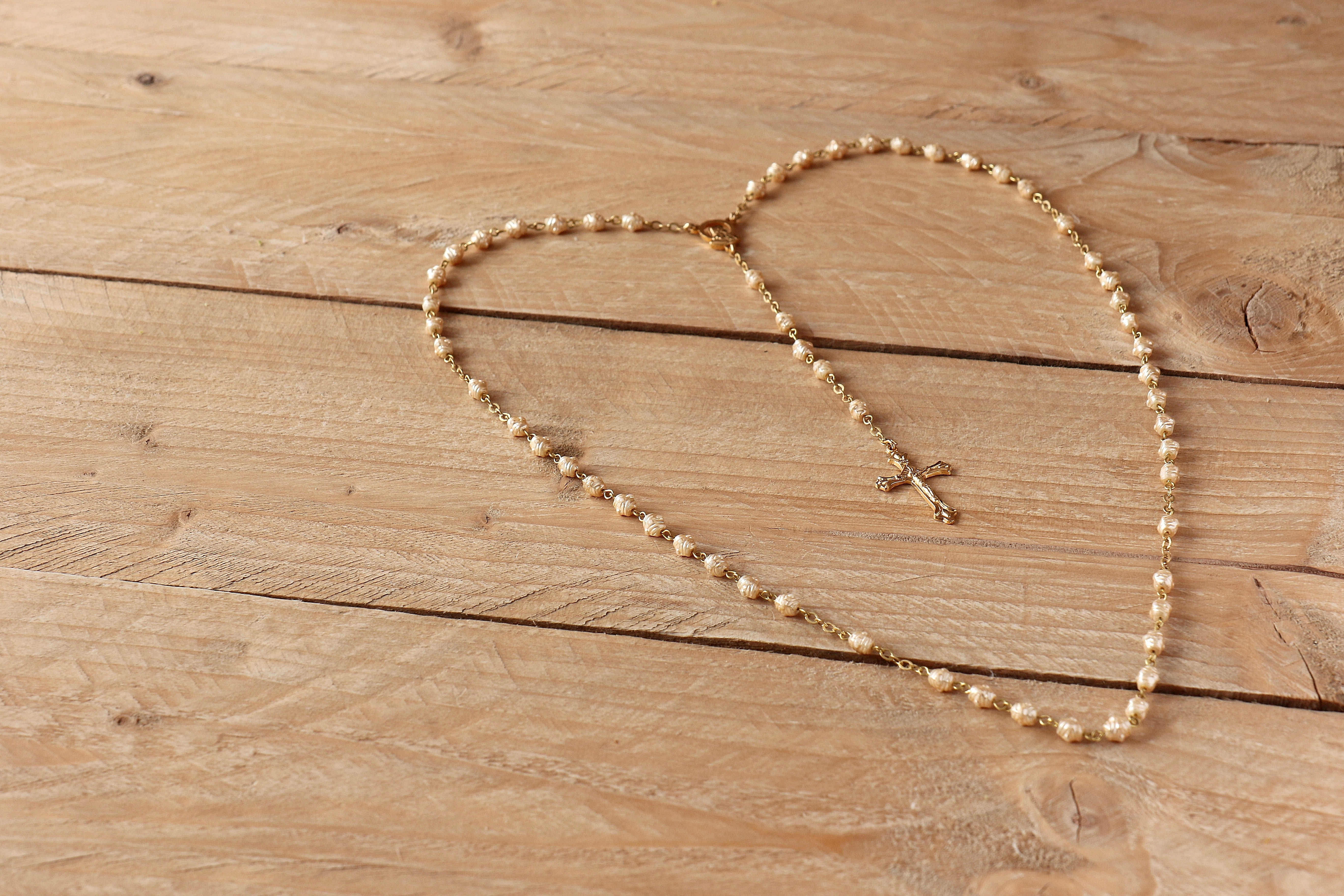 beads-cross-prayer-236336